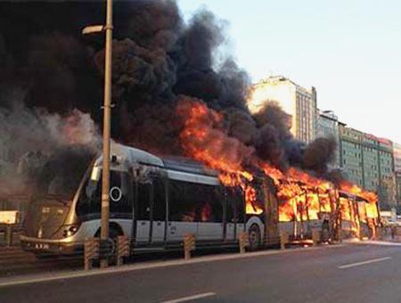 Estambul incendio metrobus