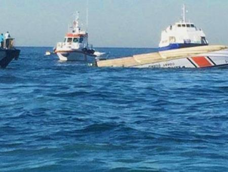 Estambul colision barco guardacosta