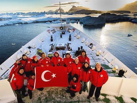 Turquía busca socios para establecer su primera base científica en la Antártida