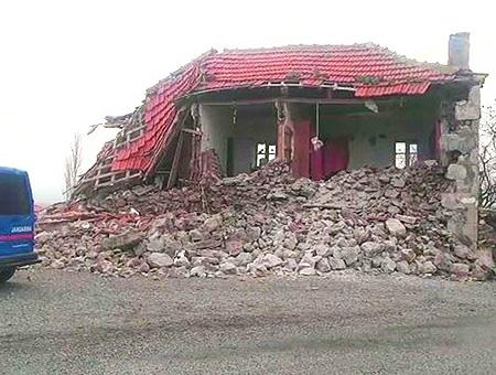 Canakkale terremoto derrumbe
