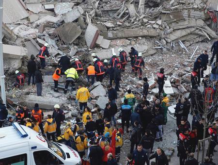 Estambul edificio derrumbado
