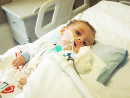 El Estado turco pagará los gastos médicos de los pacientes con AME tras la muerte de un bebé