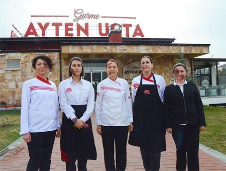 Así conciencian las empleadas de un restaurante turco sobre la violencia contra la mujer