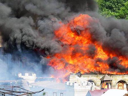 Estambul incendio fabrica kundura