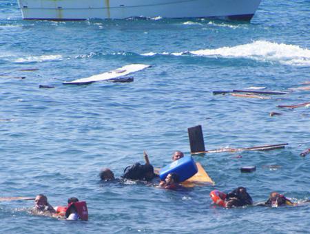 Izmir inmigrantes naufragio egeo