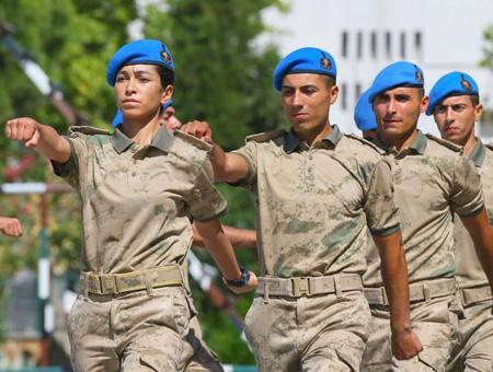 Izmir mujer comandos gendarmeria