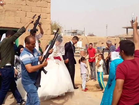 Sanliurfa celebracion disparos boda