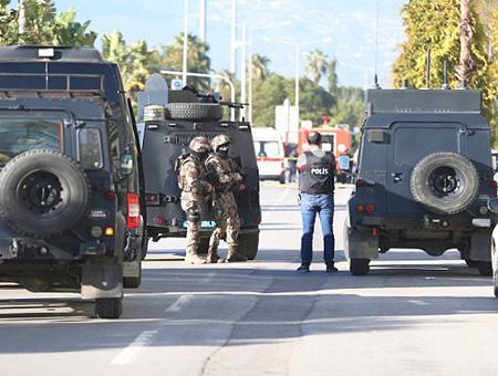 Antalya atraco banco policia