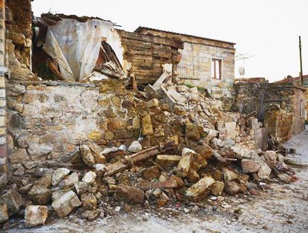 Canakkale ayvacik terremoto destruccion