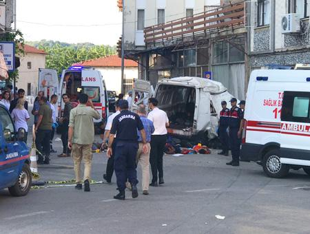 Edirne accidente furgoneta inmigrantes
