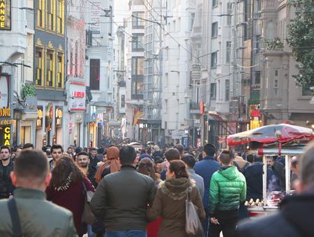 Estambul gente avenida istiklal