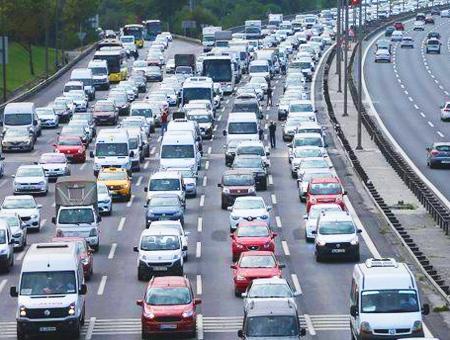 Estambul trafico carretera festivo