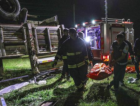 Van accidente camion inmigrantes