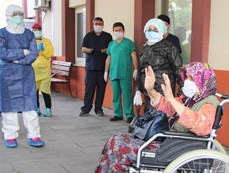Antalya madre alta coronavirus
