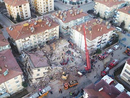 Elazig terremoto edificios derrumbados