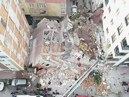 Estambul bahçelievler edificio derrumbado