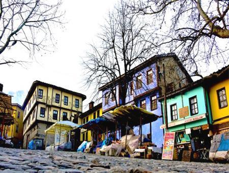 50.000 turistas visitan cada fin de semana la aldea otomana de Cumalıkızık, en Bursa