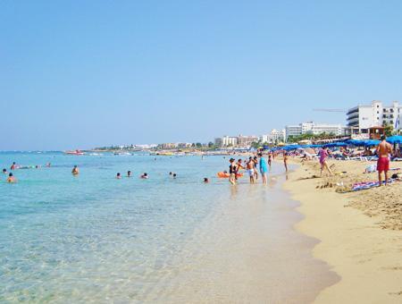 Chipre registró un récord en ingresos por turismo en 2016