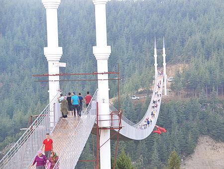 Kahramanmaras puente colgante andirin