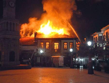 Ankara incendio hamamonu centro historico