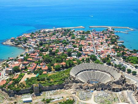 Antalya side ruinas unesco