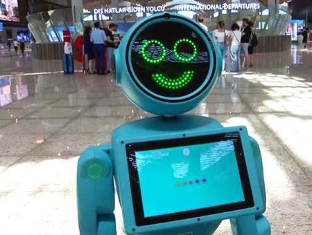 Estambul aeropuerto robots ayuda pasajeros