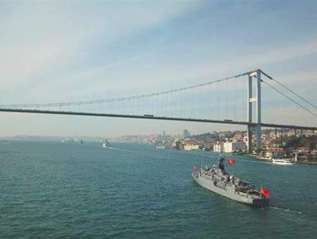Estambul barcos marina turca bosforo