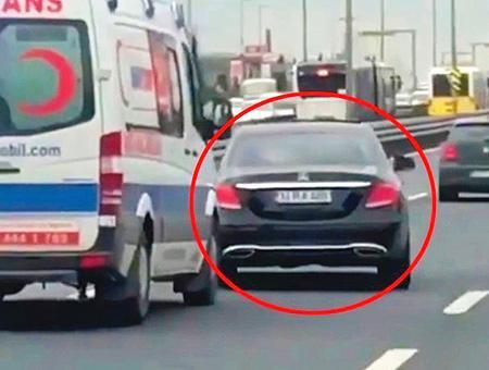 Estambul coche obstaculo ambulancia