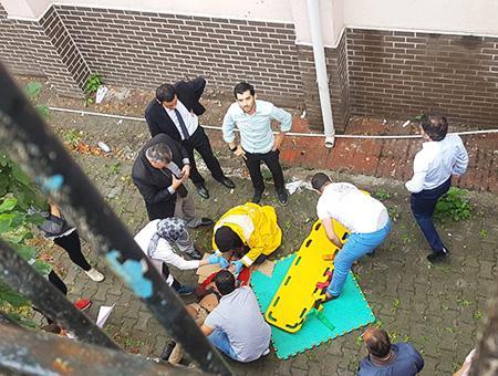 Estambul nino herido caida colegio