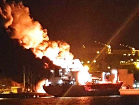 Izmir incendio barco petrolero