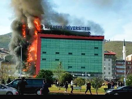 Trabzon incendio universidad avrasya