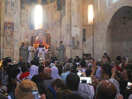 Van ceremonia iglesia akdamar
