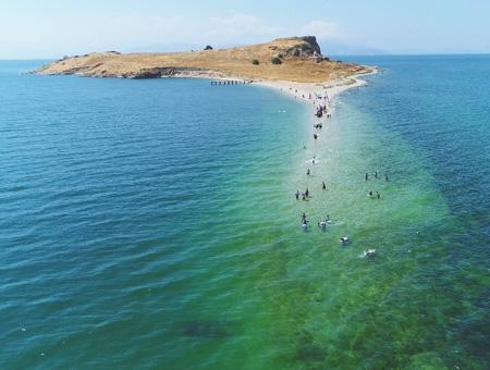 Van paso lago isla carpanak
