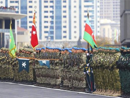 Azerbaiyan desfile victoria karabaj