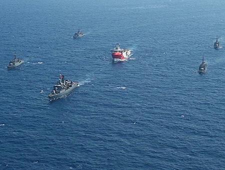 Turquia barcos guerra mediterraneo