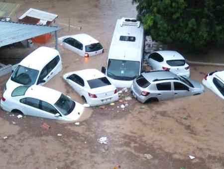 Turquia inundaciones adana