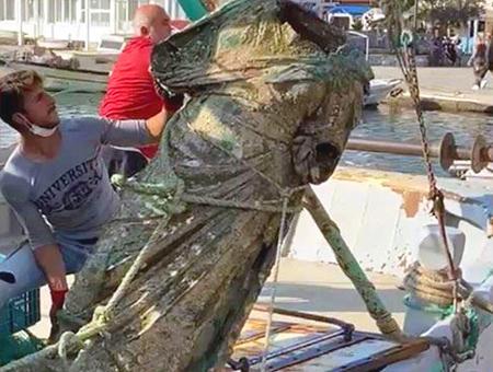 Turquia pescadores estatua griega