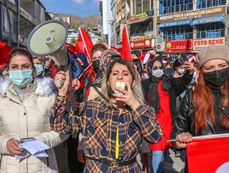 Turquia protesta mujeres pkk hakkari