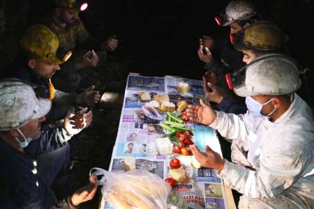 Turquia mineros ayunando ramadan