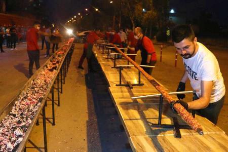 Turquia restaurante kebab gigante